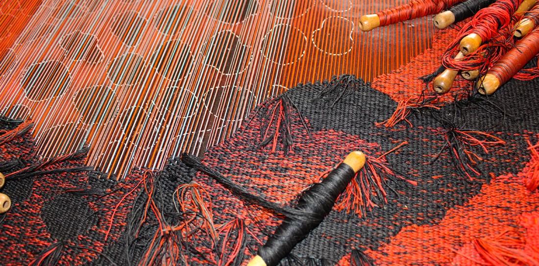 Le tissage de la tapisserie d'extyérieur