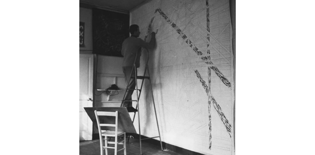 Michel Tourlière, travail sur un carton de tapisserie