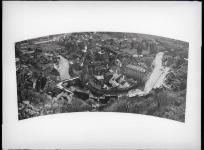Panorama d'Aubusson, un bras de la Creuse. Plaque de verre, Fonds Tabard